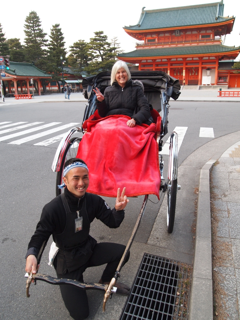 the queen mother takes a brief tour of kyoto